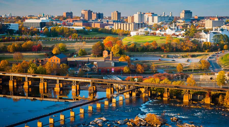 Richmond skyline with fall foliage